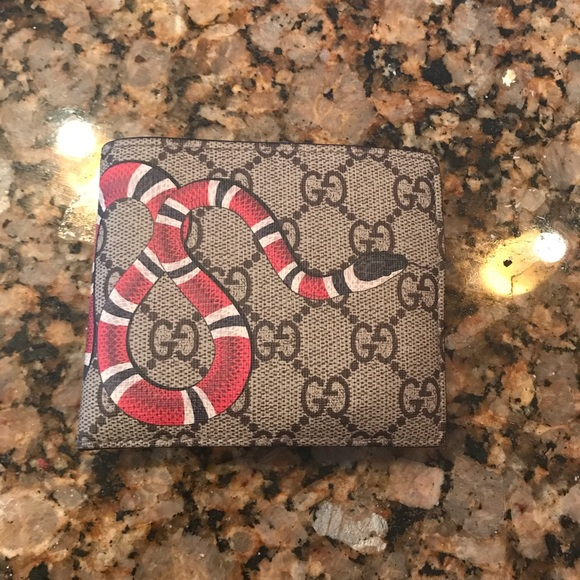 10f23fb84fe Gucci Other - Kingsnake print GG Supreme coin wallet